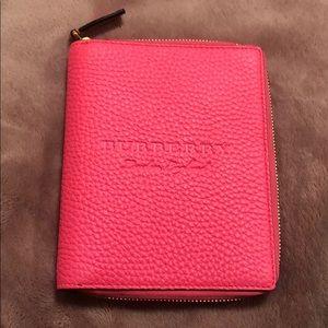 Burberry pocket book